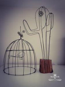 oiseau cactus au sens du fil